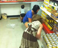 Volunteers at the Chickasha Food Pantry